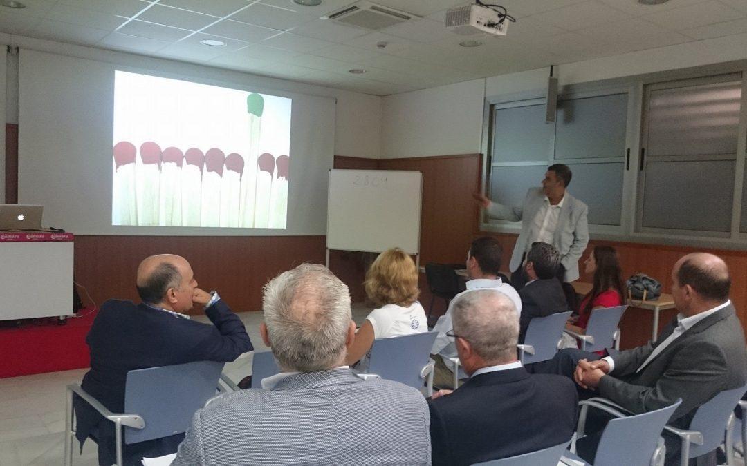 Faeem y Cámara reúnen a antiguos alumnos en una conferencia sobre el talento a cargo de Emilio del Águila